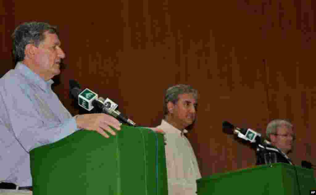 رچرڈ ہالبروک کا دورہ پاکستان