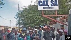 Trabalhadores angolanos