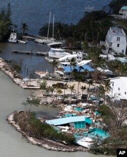 Escombros de una vivienda destruida en Key Largo, Florida, luego del paso del huracán Irma. Sept. 11, 2017.
