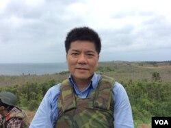 台湾军事问题专家郑继文2017年5月25日在澎湖汉光演习现场 (美国之音记者申华 拍摄)
