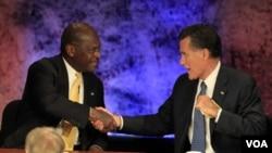 Las más recientes encuestas muestran a al empresario Herman Cain y Romney al tope de los candidatos a la nominación republicana.