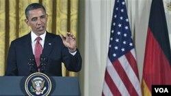 El presidente Obama ha visto caer sus popularidad afectada por la débil marcha de la economía.