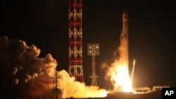 Russia SpaceLa fusée Zenit-2SB décolle de sa rampe de lancement au cosmodrome de Baïkonour avec la sonde Phobos-Ground, au Kazakhstan., 9 novembre 2011