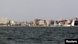 Suasana tepi pantai ibukota Gabon, Libreville, 29 Januari 2012. (Foto: dok).