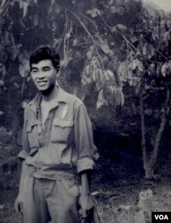 Nguyễn Thanh Bình tại Buôn Mê Thuột năm 1973. (Hình tư liệu Đinh Quang Anh Thái)
