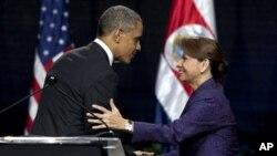 သမၼတ Barack Obama နဲ႔ ေကာ္စတာရီကာ Laura Chinchilla