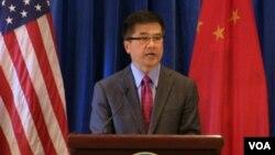 美國駐華大使駱家輝近日宣佈新的簽證申請系統(美國駐華大使館圖片)