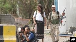 عدن میں حکومت کے حامی قبائلی جنگجو