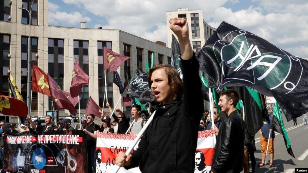 Удальцов: на митинге «За свободный интернет» задержано до 30 человек