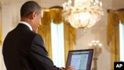 Barack Obama berkomentar di Twitter saat bertemu dengan salah satu pendiri Twitter, Jack Dorsey, di Gedung Putih. (Foto: AP)