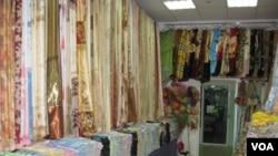 西伯利亞東部雅庫特地區的一家中國商品店 (美國之音白樺拍攝)