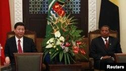 习近平主席会晤坦桑尼亚总统贾卡亚•姆里绍•基奎特