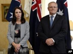 PM Selandia Baru, Jacinda Ardern (kiri) bersama PM Australia Scott Morrison di Sydney, Australia, 28 Februari 2020. (Foto: dok)