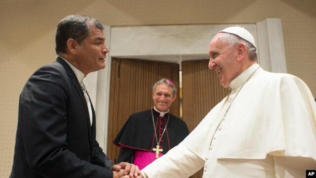 El 28 de abril de 2015 el presidente de Ecuador, Rafael Correa visitó al papa Francisco en el Vaticano.