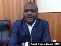 Mahamat Dingandimbaye, coordonnateur de la Coalition touche pas à mes acquis, à N'Djamena, au Tchad, le 11 mars 2018. (VOA/André Kodmadjingar)