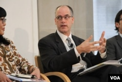 Tony Pipa, chief strategy officer, USAID. (Vathana Seourn/VOA)