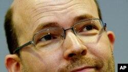 مقام رسمی اتحادیه اروپا، پل نميتز
