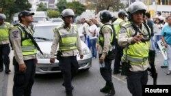 Las protestas se produjeron por el aumento del pasaje urbano anunciado por el gobierno venezolano hace una semana y que entrarían en vigencia el 1 de abril.