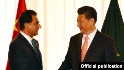 習近平(右)獲巴基斯坦議會議長歡迎