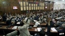 Парламентарии Йемена голосуют в поддержку закона, предоставляющего иммунитет президенту Салеху