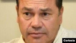 Xavier Delgadillo, médico boliviano radicado en Bruselas, Bélgica