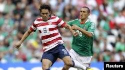 Herculez Gomez, tiền vệ ghi bàn thắng duy nhất cho đội tuyển Mỹ trong trận gặp Jamaica ngày 11 tháng 9, 2012, trên sân Columbus Crew, Ohio.
