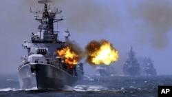 """Ảnh tư liệu - Cuộc diễn tập hải quân Trung-Nga """"Joint Sea-2014""""."""