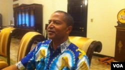 Moïse Katumbi, l'ancien gouverneur de l'ex-province du Katanga, lors d'une interview avec VOA Afrique à Lubumbashi, 5 mai 2016, (VOA/Narval Mabila)