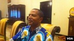Moïse Katumbi, l'ancien gouverneur de l'ex-province du Katanga, lors d'une interview avec VOA Afrique à Lubumbashi, 5 mai 2016, VOA/Narval Mabila