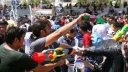 ايران در سرکوبی بازی آب پاشی جوانان افراط می کند؟