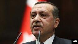 PM Turki Recep Tayyip Erdogan diperkirakan akan memberikan pernyataan tentang ditembaknya pesawat Turki oleh Suriah.