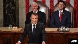 Президент Франции Эммануэль Макрон (на втором плане: вице-президент США Майк Пенс и спикер Палаты представителей Пол Райан)