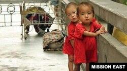 황해남도 해주 보육원의 아이들. 심각한 영양실조를 겪고 있다.