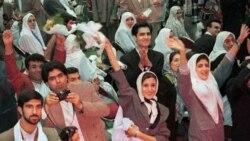 احمدی نژاد: دختران در ۱۶ سالگی ازدواج کنند