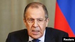 14일 세르게이 라브로프 러시아 외무장관이 모스크바에서 튀니지 외무장관과 회담을 가진 뒤 기자회견을 하고 있다.