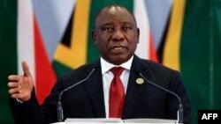 Le président sud-africain, Cyril Ramaphosa, lors d'une conférence de presse à l'issue du sommet des BRICS à Johannesburg, le 27 juillet 2018.