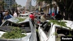 2013年4月29日巴格達以南150公里遠的迪瓦尼耶地方發生一次汽車炸彈爆炸事件之後