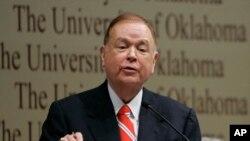 奥克拉荷马大学校长戴维·博伦(资料照片)