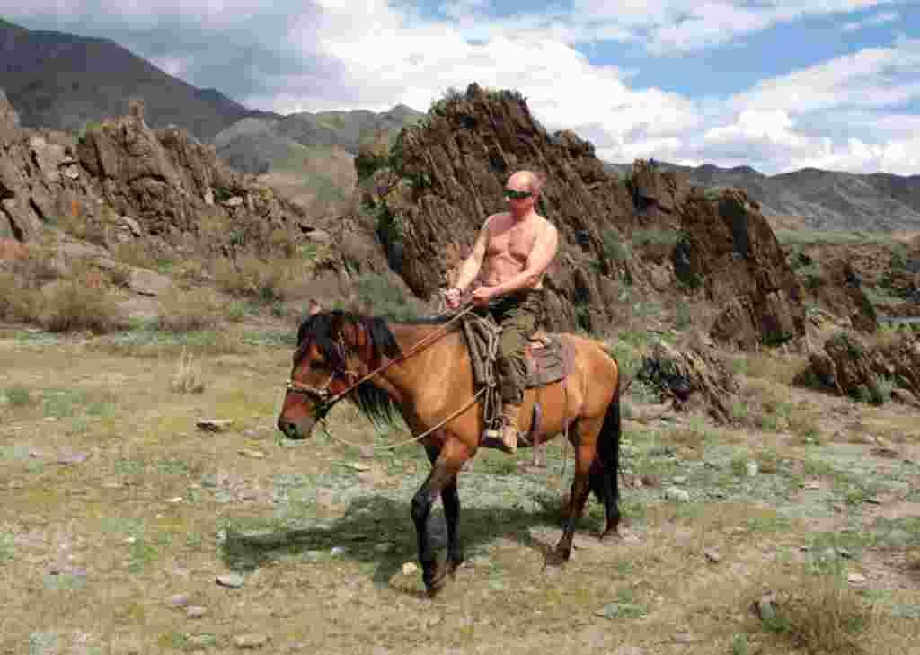 Putin a caballo en Tuva, sur de Siberia.
