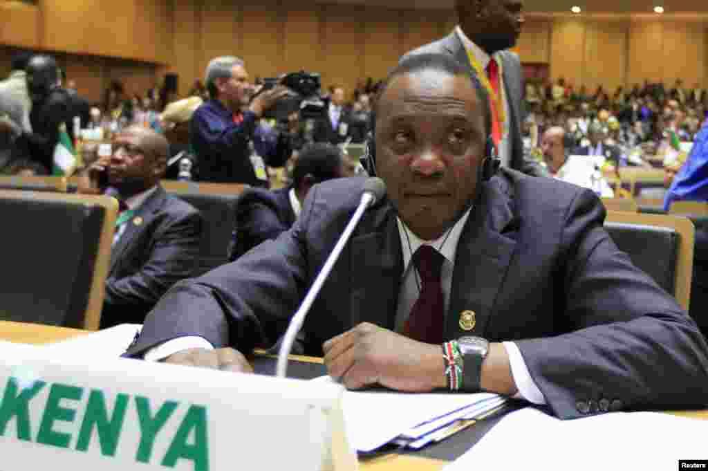 Rais wa Kenya Uhuru Kenyatta ahudhuria mkutano wa 22 wa viongozi wa AU Addis Ababa, Jan. 30, 2014.