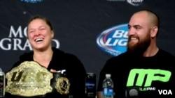 Ronda Rousey & Travis Browne