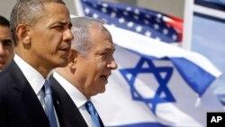 Prezident Obama Isroil bosh vaziri Benyamin Netanyaxu bilan Tel-Aviv aeroprotida, Isroil 20-mart, 2013-yil
