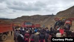 藏人抗议中国在藏区圣山开采