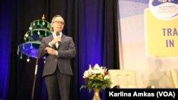 Wamenlu Mahendra Siregar dalam Muktamar Masyarakat Muslim Indonesia di Amerika (Indonesian Muslim Society in America/IMSA) ke-20 di Chicago, Illinois, 27 Desember 2019. (Foto: VOA/Karlina Amkas)