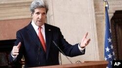 28일 로마에서 열린 '시리아의 친구들' 국제회의 후, 기자회견을 가진 존 케리 미국 국무장관.