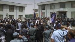 مراسم انتقال کنترل امنیت به نیروهای افغان در نزدیکی کابل در افغانستان. ۱۷ ژوئیه ۲۰۱۱