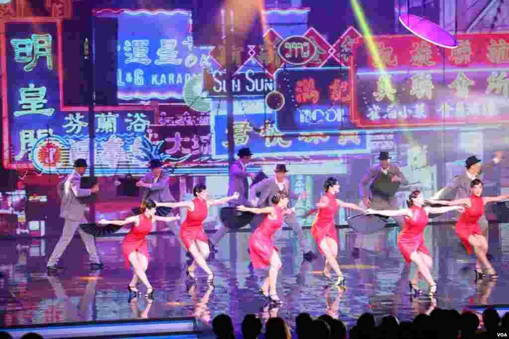 تلفیق سنت ومدرنیته، با اجرای رقص اژدها و گروه های رقص غربی از زیبای هایی مراسم بهترین های آسیا بود