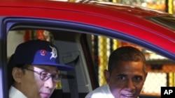 지난 14일 이명박 한국 대통령(좌)과 디트로이트를 방문한 오바마 미 대통령(우)