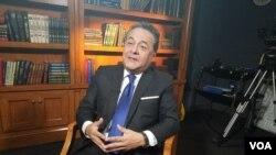 """Alfonso Velásquez, presidente ejecutivo de Sierra y Selva Exportadora Perú, dijo a la Voz de América que EE.UU. """"es un socio estratégico"""" para el Perú en la lucha contra las drogas. [Foto: Mitzi Macias, VOA]."""
