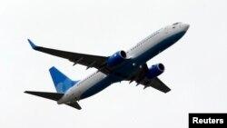 Sebuah pesawat Boeing 737-800 (foto: dok). Pesawat Boeing 737 merupakan pesawat yang paling populer di pasar saat ini.